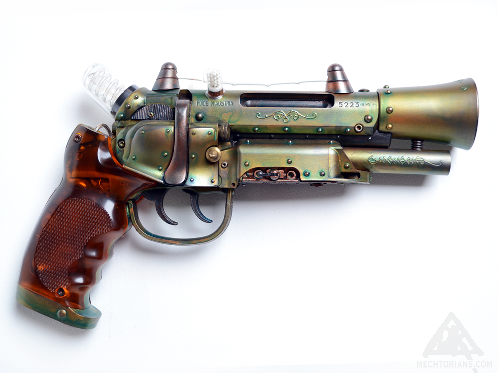 Customised Blade runner gun. Tomenosuke Blaster reworked by Doktor A ( Bruce Whistlecraft).
