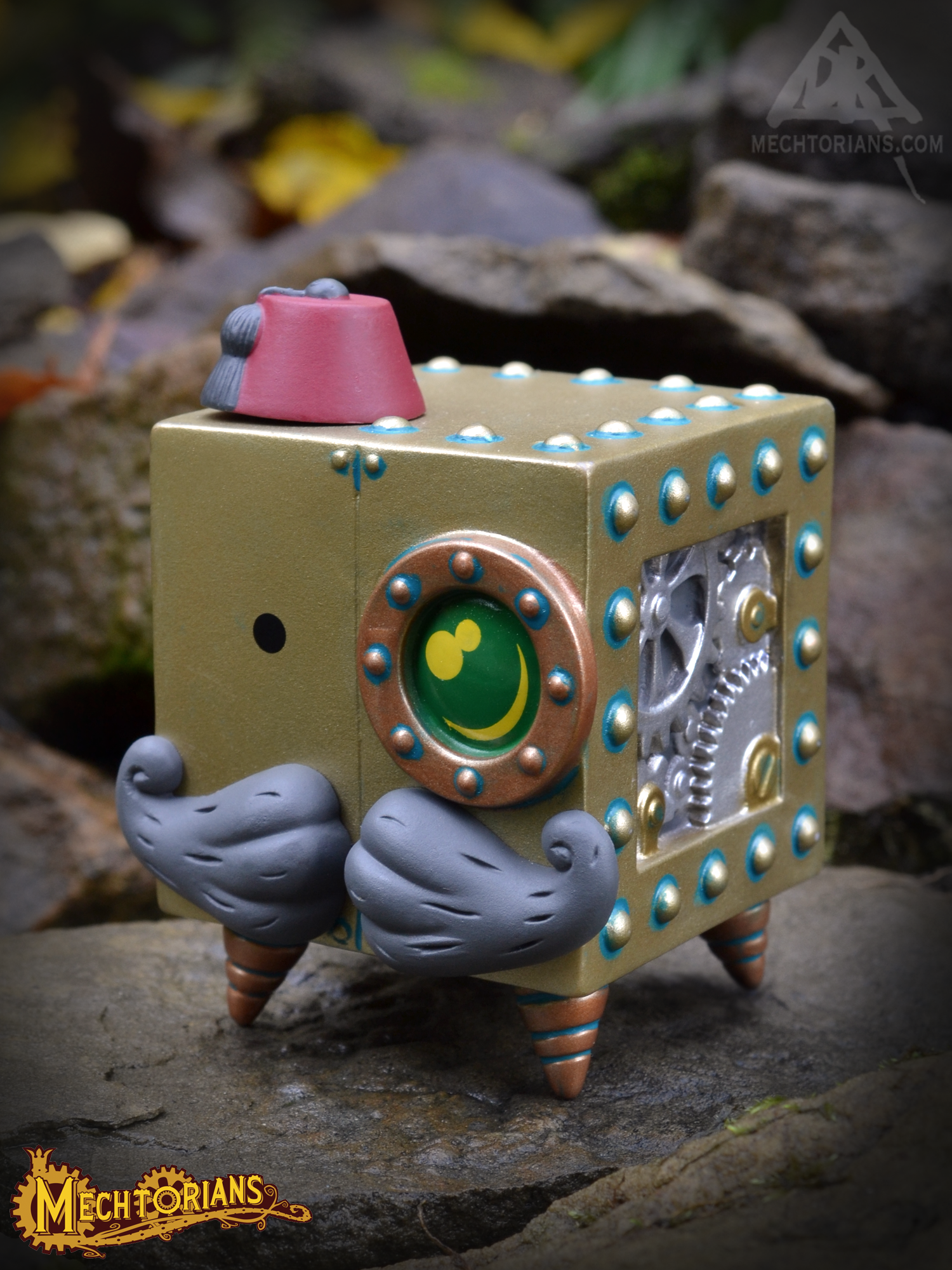 Doktor A's Mini Mechtorians vinyl figure Series 2 with Kidrobot. Colonel Rombus